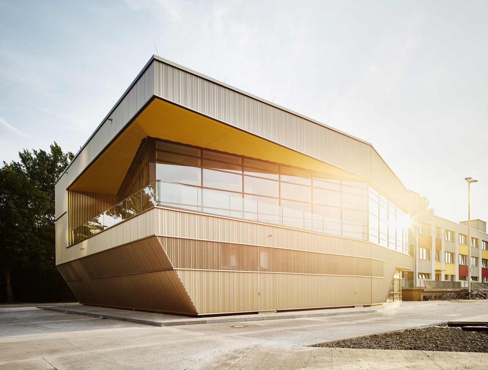 Ein Herz für die BVG - trapez architektur DIRK LANDWEHR